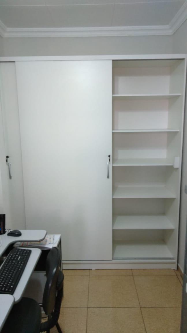 Novo armário para arquivo das Leis são instalados na Câmara Municipal.